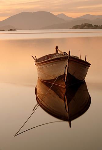 Tender la cuerda hacia la orilla nos permite aljarnos del ego y conectarno con Dios.