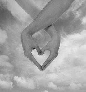 Dejar el control de querer que todo sea como queremos (tener la razón) abre espacio a la felicidad y  la armonía.