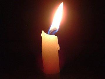 La oscuridad es solo falta de Luz y la Fe es la mejor manera de traer luz a tu vida.