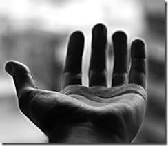 Una sencilla manera de recordarnos que si oramos por los demás ya estamos en servicio a Dios.