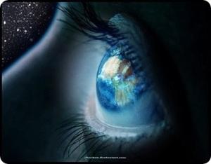 El Universo nos devuelve un reflejo de lo que tenemos por dentro. Cuida tus pensamientos.