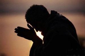 Sea cual sea la manera, lo que debes lograr es Silencio Mental. Solo así lograrás escuchar a Dios.