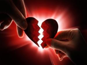 Por roto que esté, siempre se puede reparar, y funcionará perfectamente para seguir dando más amor.