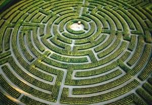 Siempre es más sencillo resolver el laberinto si lo vemos desde arriba. Eleva tu consciencia.