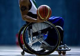 """Seguro pudieras decier """"ES QUE yo no estoy en silla de ruedas"""" si no, ¿Cual es tu excusa?"""