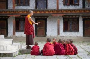 La primera lección siempre es muy dura de asimilar. Basta con abrir el corazón y apagar la razón para entender.
