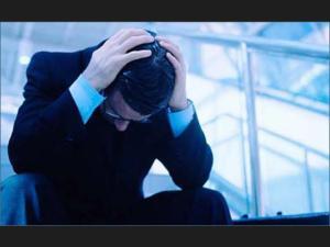 El peor de los hábitos es el más dificil de aceptar y es el dejarnos controlar por las emociones,.