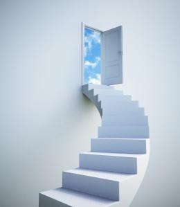 Las puertas del cielo SIEMPRE están abiertas esperando a que nos sintamos listos para cruzarlas. Enfocate y aprovecharas más oportunidades.
