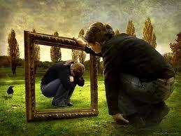 Mirarte y reconocerte te lleva a la reconciliación contigo. Vence el miedo y búscate en el espejo.