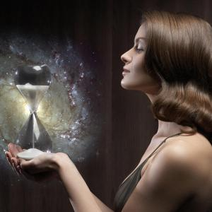 Se consciente de ti mismo y lograrás vivir el tiempo sin apuros no desespero.