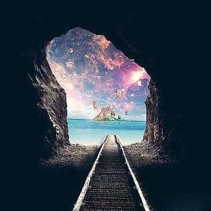 Por oscuro que parezca y así no veas el camino, al final del túnel siempre hay luz.