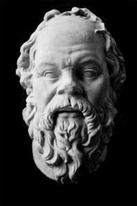 """""""Solo el conocimiento que llega desde adentro es el verdadero conocimiento"""" - Sócrates"""